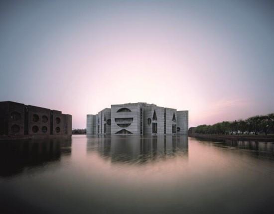 01_Louis_Kahn_National_Assembly_Dhaka