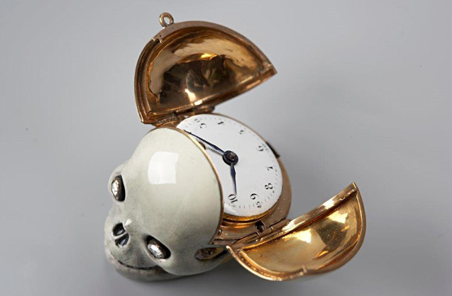 Memento mori watch in the shape of skull, Vienna, c. 1820 (© Musée de l'horlogerie Beyer Zurich) Memento mori, which in Latin means 'Remember you must die' has been a favourite among watchmakers who use the skull to show our impermanence. The Lausanne exhibition also includes more recent examples by the contemporary Swiss artist John Armleder and designer Fiona Krüger.